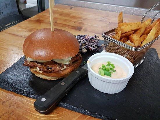 Amos, Kanada: Burger