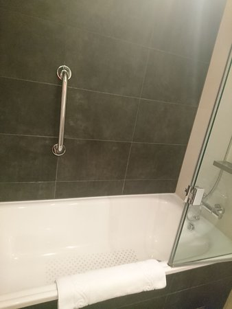 Bath Shower Rail bath / shower with grab rail - picture of hyatt place london