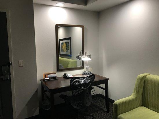 Work Desk In The Room Picture Of Hilton Garden Inn Fayetteville Fayetteville Tripadvisor