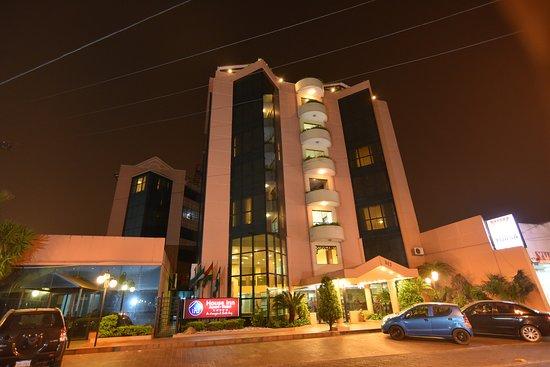 House Inn Apart Hotel: fachada imponente