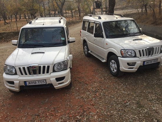 Gulmarg, India: our new cabs for our clients