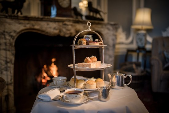 Rotherwick, UK: Afternoon Tea in the Grey Lounge