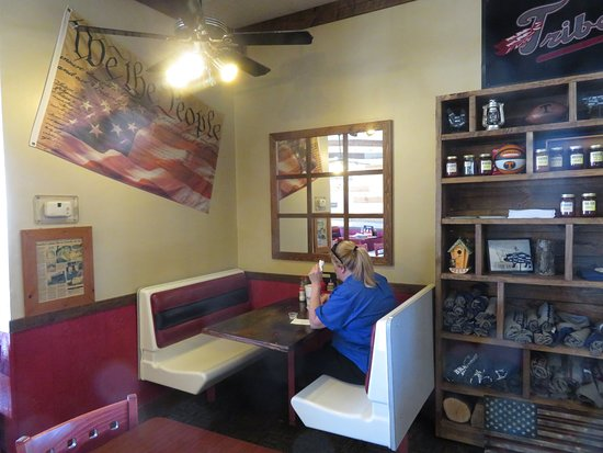 Kingsport, TN: Dine In Seating