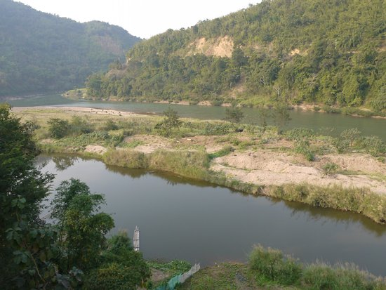 """Muang Khua, Laos: Vue depuis le """"salon"""" collectif"""