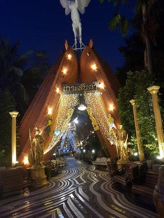 Racha Thewa, Tailandia: 20180312_185113_large.jpg