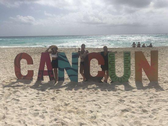 Secrets The Vine Cancún: Snapchat-2064474951_large.jpg