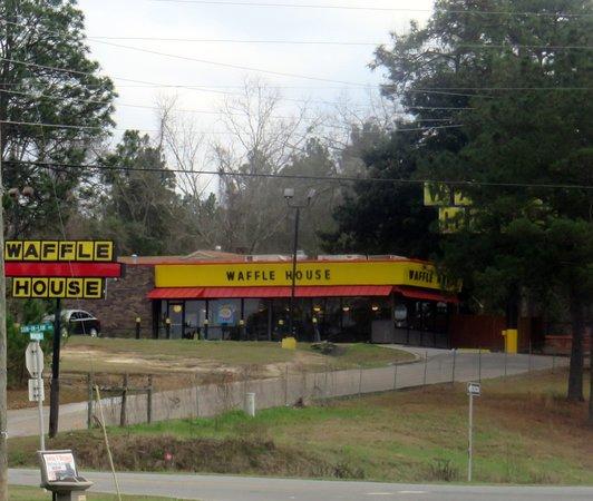 Bonifay, FL: front of Waffle House