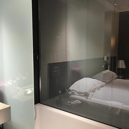 Soho Hotel: The blinds can be closed, if you want more privacy.