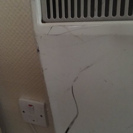 Pontins Southport Holiday Park: Broken Bedroom Heater Dirt On Every  Skirtingboard Nasty Chairs Stained Mattressu0027s