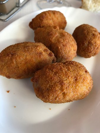 Palau-Saverdera, Ισπανία: Croquetas - Restaurant Can Carriot (Palau Saverdera-Girona)