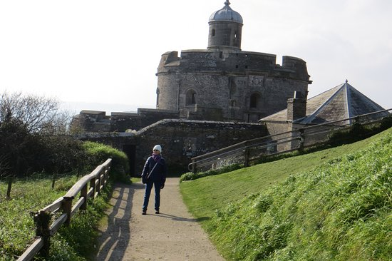 The Ship and Castle Hotel: St Mawes Castle