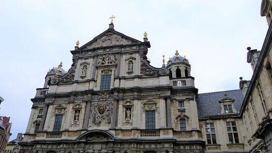Carolus Borromeus Church: Fronton Carolus Borremeus kerk - Antwerpen