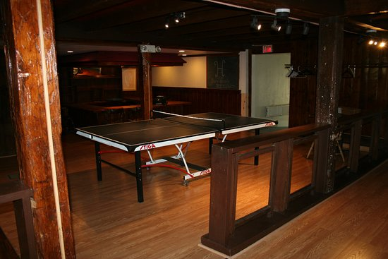 Wolfeboro, Nueva Hampshire: Ping pong in the Barn