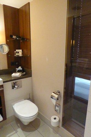 Durchblick vom Bad ins Schlafzimmer - Bild von Pullman Köln ...