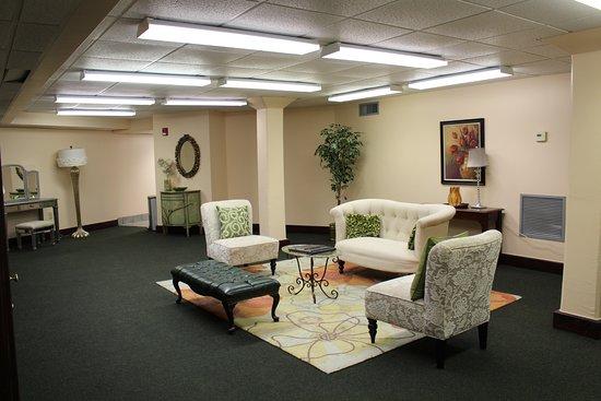 Columbus, MS: bridal suite