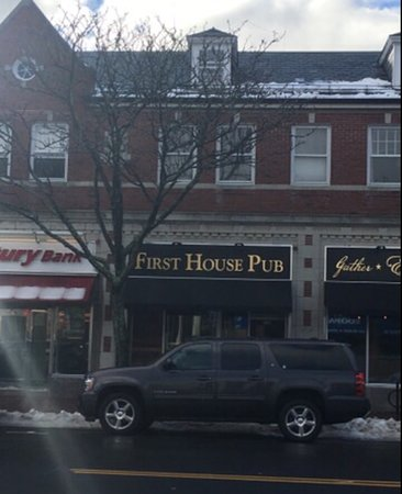 Winchester, MA: First House Pub