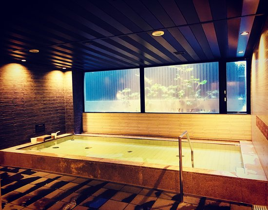Onsen With Snow Falling Outside Picture Of Mitsui Garden Hotel Kyoto Shinmachi Bettei Kyoto