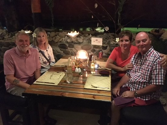 Coral Coast, Fiyi: Anniversary dinner