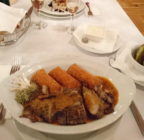 Haller Castle: Sousvide steak with crispy potatos