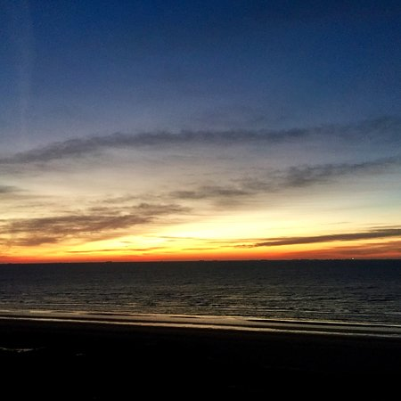 The Galvestonian: Most spectacular sunrises we've seen anywhere in a Texas.