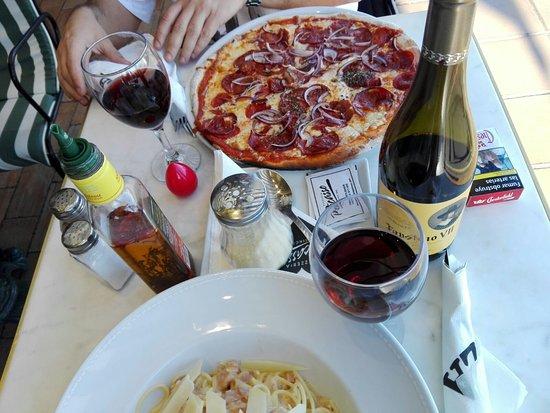 Pizzeria picasso puerto banus restaurantbeoordelingen tripadvisor - Zoom pizza puerto banus ...