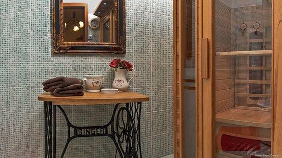 Emperor's Suites: Sauna