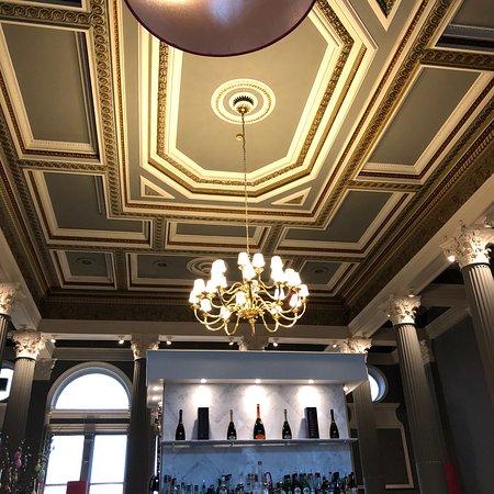 Amazing staff, service and decor superb!