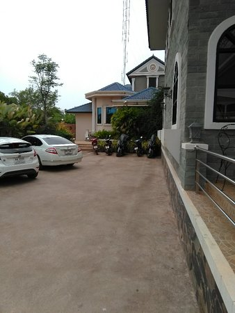 บ้านดุง, ไทย: Phara Dhevi