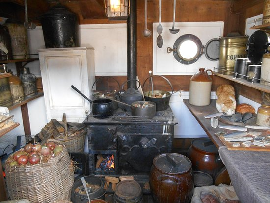 Kitchen of the ship. - Picture of Dunbrody Famine Ship Experience ...