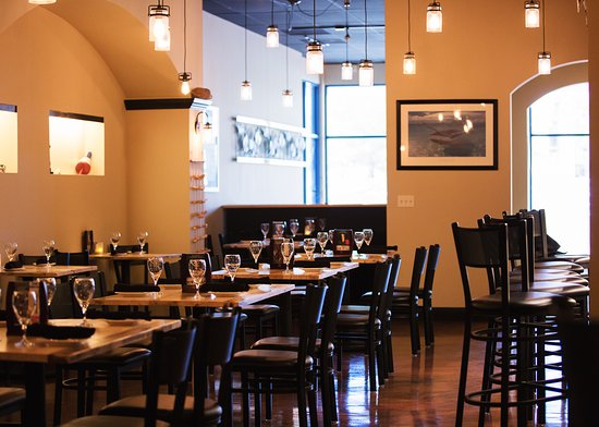 Lake Zurich, IL: Our 50-seat restaurant is cozy and social