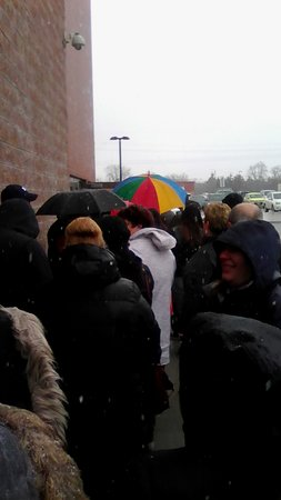 The Price is Right Game Show: almost there! just up around the corner - 1.5 hours in line to register!