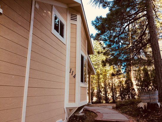 Running Springs, CA: Cabin 114 Maple Stone
