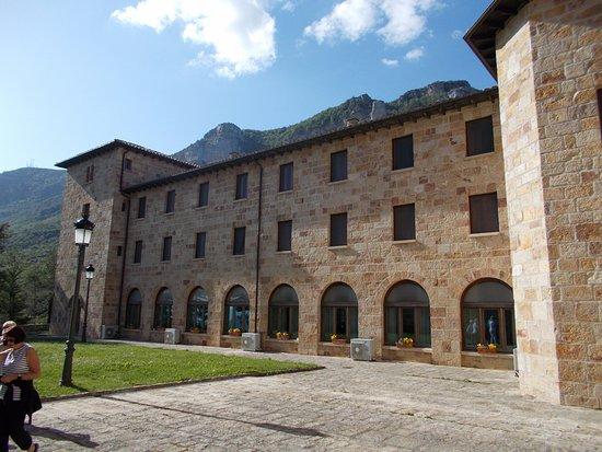 Yesa, Ισπανία: Monastery