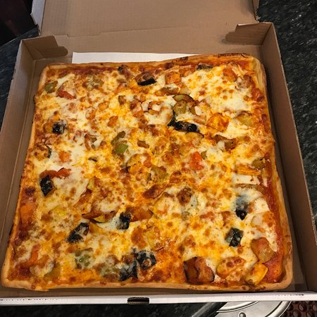 Manhasset, Νέα Υόρκη: Delicious pizza and fresh vegetables