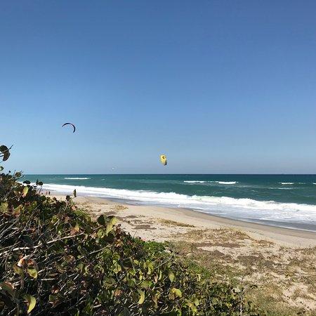 Juno Beach, FL: kite surfing