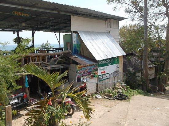 Bamboo Bay Resort: Superbe vue de la terrasse du restaurant