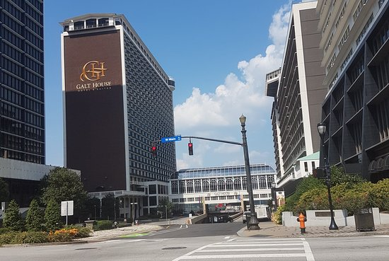 The Galt House, a Trademark Collection Hotel: PhotoGrid_1521080380353_large.jpg