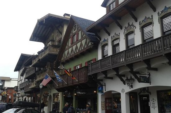 Day Trip to Leavenworth via the...