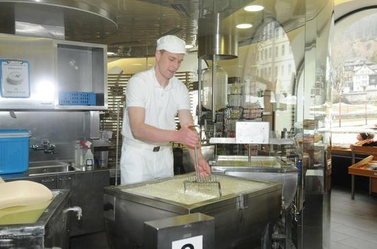 Cheese & Chocolate tour from Zurich with private tourguide