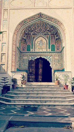 Rani Mahal - A Heritage Hotel: beautiful, sunny place. good service.