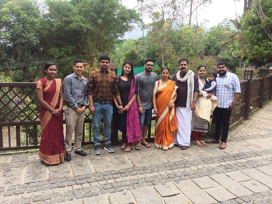 Kunjithanny, Индия: Happy Guest Amal Suresh and family.