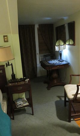 The Big Blue House Tucson Boutique inn: Uncle Duke's Room - sitting area in front of AC