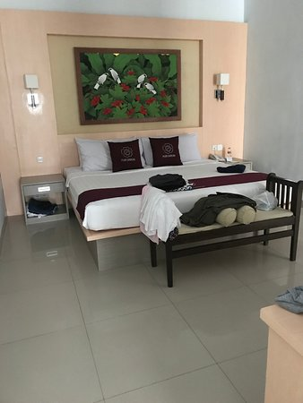 Puri Saron Seminyak: Clean and spacious Junior Suite
