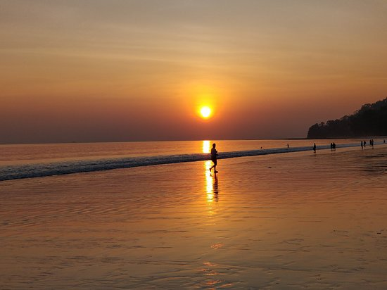 Radhanagar Beach: The beautiful sunset at the beach