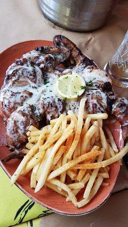 Mo-Zam-Bik Silver Lakes: bbq chicken