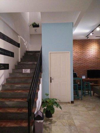 tangga menuju lt 2