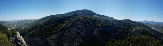 Provincia di Pesaro e Urbino, Italia: Il Monte Paganuccio visto dal Monte Pietralata
