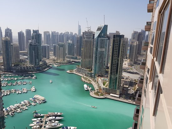 Dubai Marriott Harbour Hotel & Suites: vue du balcon sur la marina