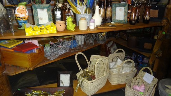 Robertson, South Africa: Birds Paradise gift shop