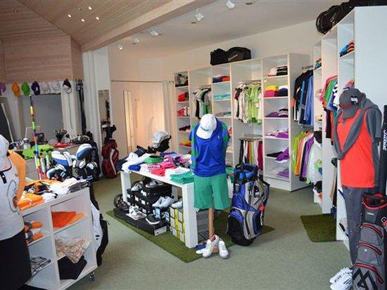 Bad Uberkingen, Allemagne : Ein gut sortierter Pro-Shop mit fachkundiger Beratung